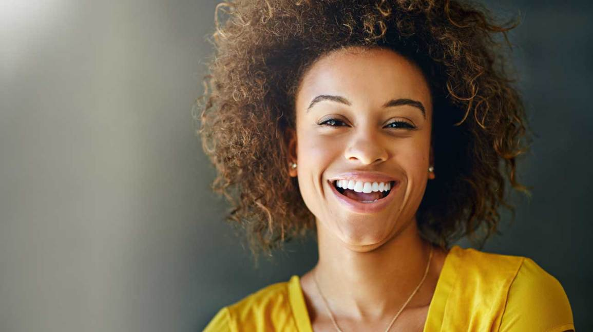 6 Simple Ways To Naturally Whiten Your Teeth At Home