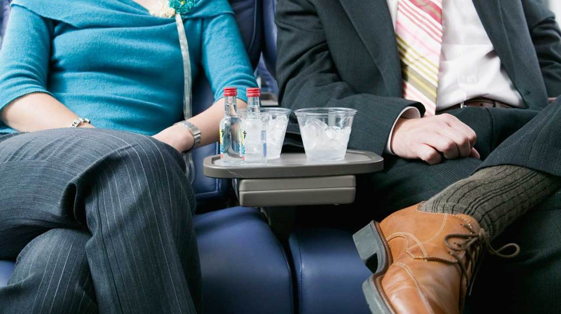 What Doctors Really Think About Your In-Flight Anti-Anxiety Tricks