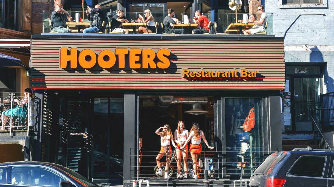 Breastaurant' Waitresses and Mental Health Issues