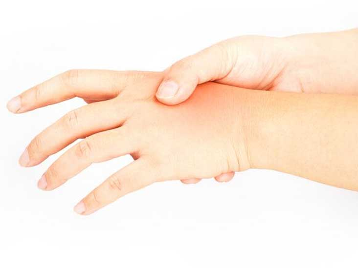 Warm Hands: Causes, Treatment, and Warning Signs