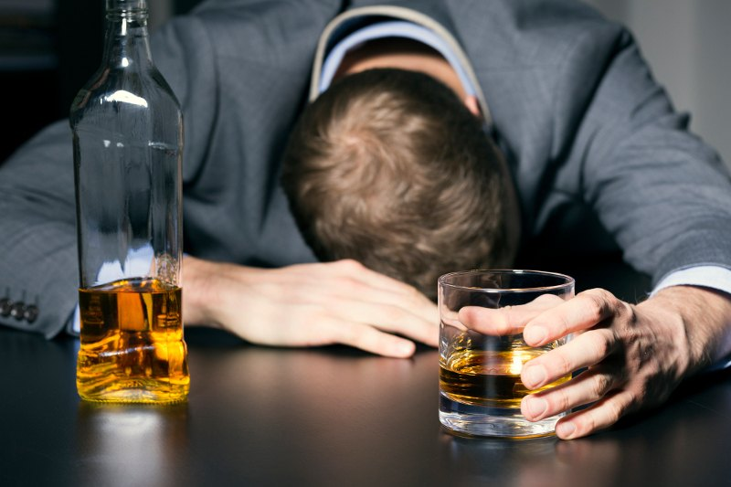 How to stop a headache after drinking