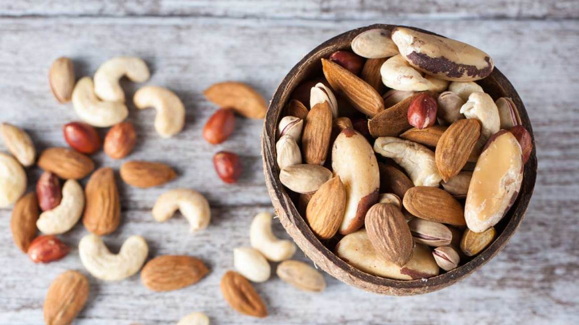 Raw vs Roasted Nuts: Which Is Healthier?