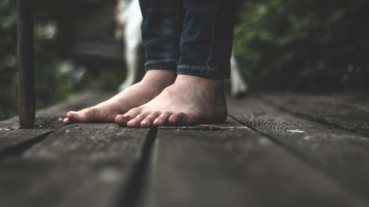 Walking Barefoot Benefits, Potential Dangers, How to Do It