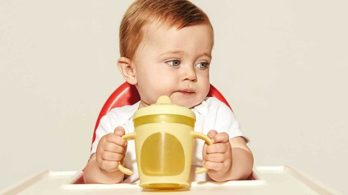 Parents Are Making Their Children Drink >> 14 Best Sippy Cups By Age Transitional Spout Straw And Tips