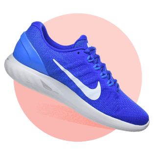 the best attitude 7e8ae 0c014 Not all pronators are created equal, which is why Nike uses dynamic support  in the midfoot and heel. What that means is that as the foot pronates more,  ...