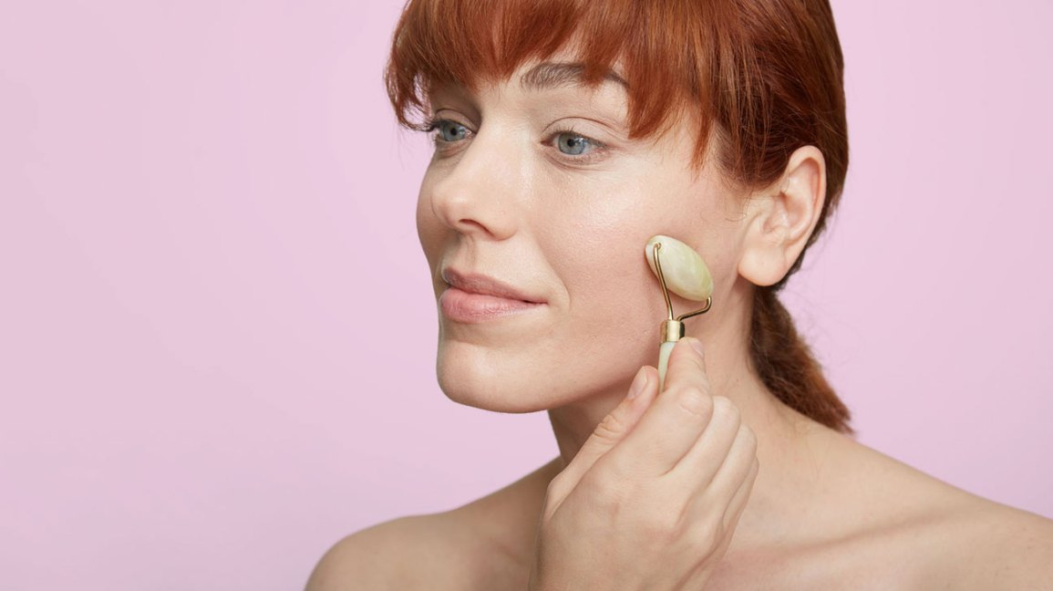 Avoid These 10 Foods To Reduce Facial Bloating Plus Morning Remedies