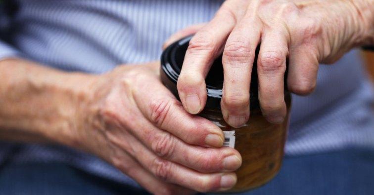 akupresszúra a térd artrózisában a fájó kéz dudorodott meg az ízületen