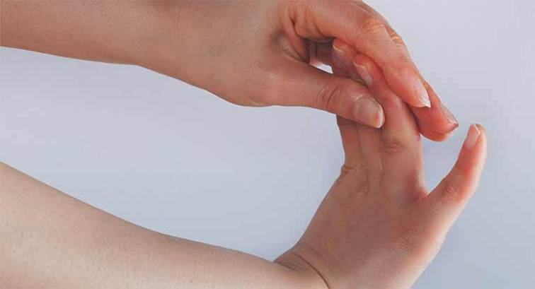 Numbness in Thumb: Causes and Treatment
