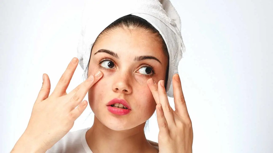 About Face: How to Handle Dry Skin Under Your Eyes