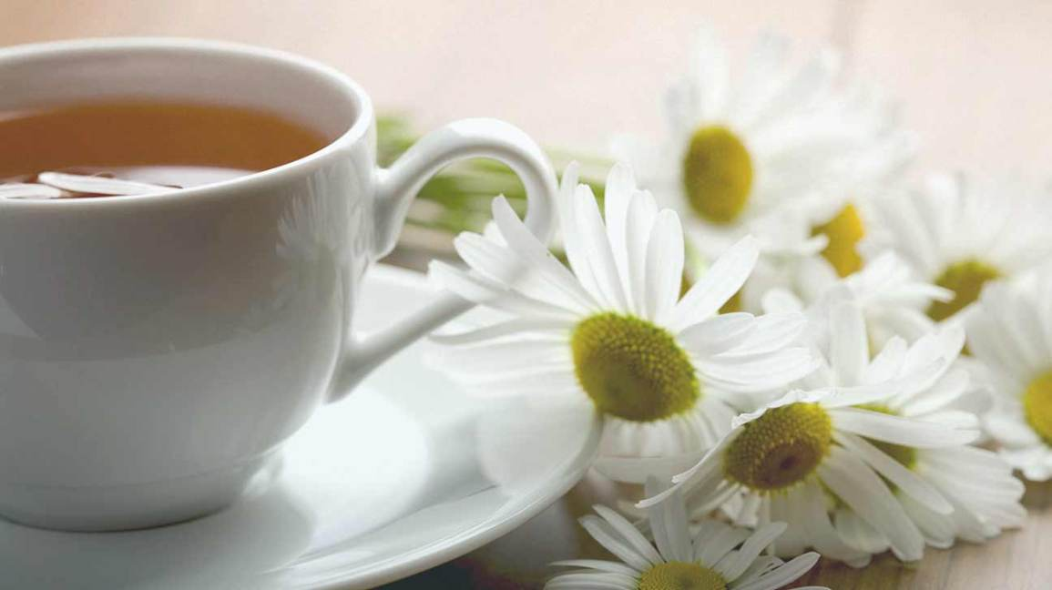 Chamomile Tea While Pregnant: Is It Safe to Drink?