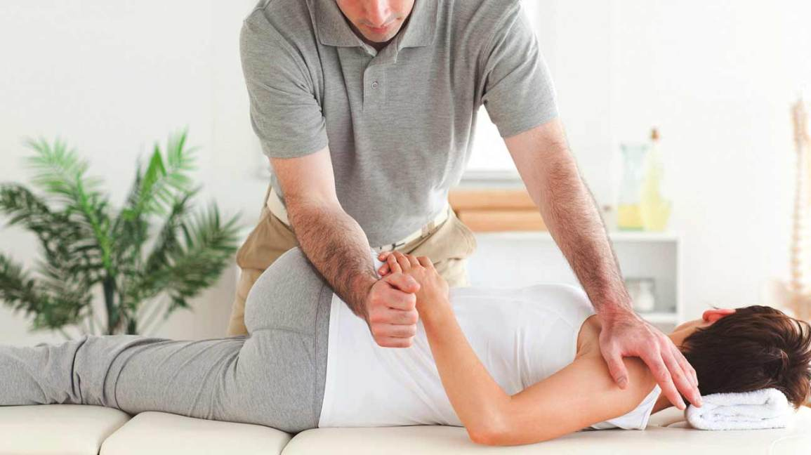 Chiropractors Offer Relief For Back Pain