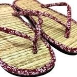 Chinelo de palha japonês em tricolone floral vinho / sandália zori / lavável, leve e fresca / combinam com qualquer ocasião