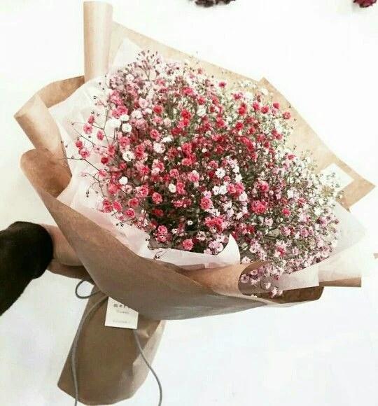 收到這個絕對可以炫耀一整年!比起玫瑰。更想要仙氣感滿天星花束。從配角花變成「最美女主角 ...