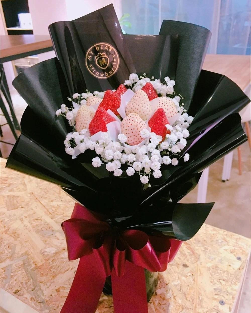 浪漫草莓花束 情人節推薦 今天就用這告白吧   GirlStyle 臺灣女生日常