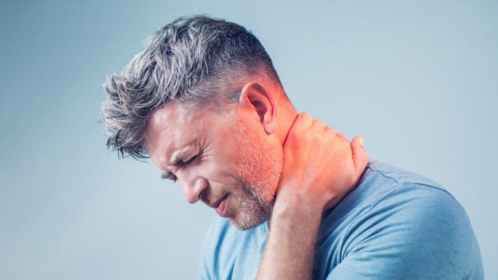 10 nasvetov, kako ublažiti glavobol z bolečinami v vratu