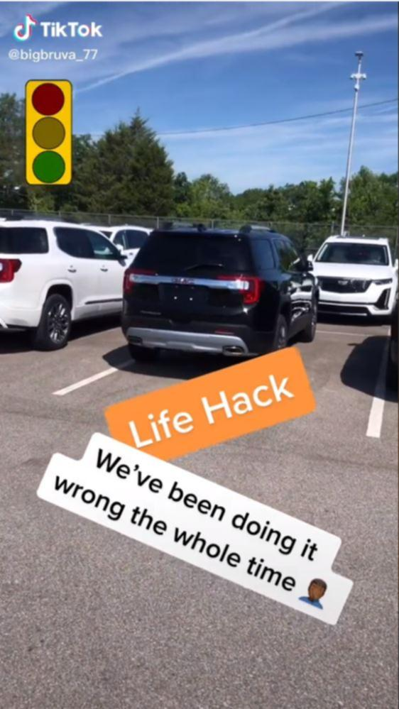 A motorist has left social media users stunned by sharing a very unique parking hack.