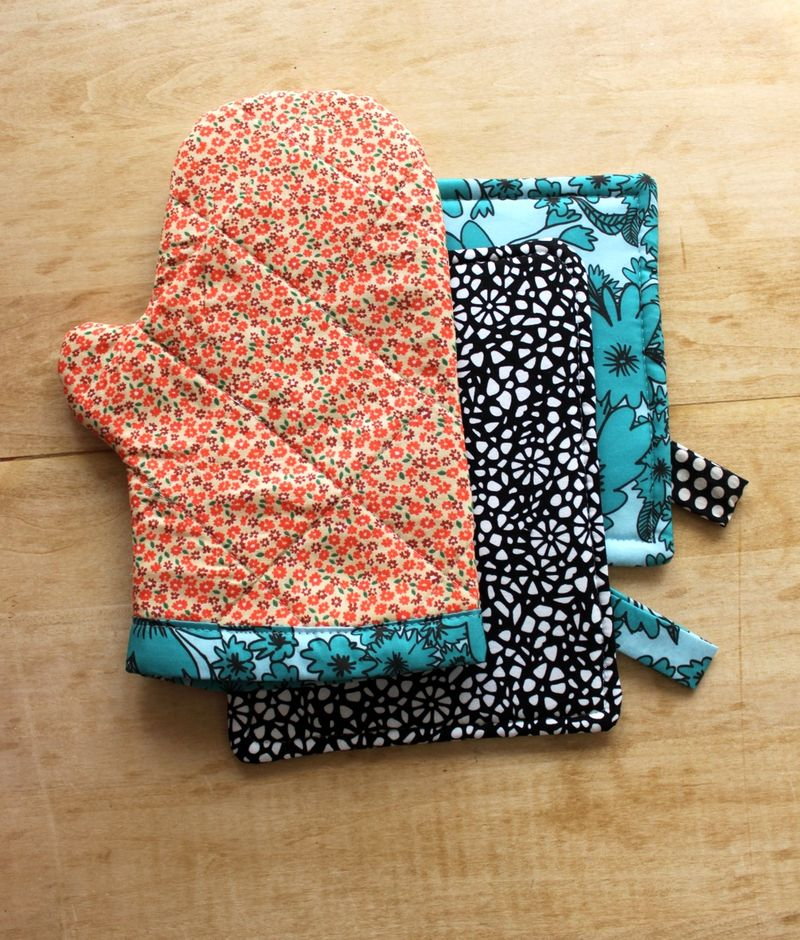 kitchen mittens office appliances oven mitt and hot pad diy a beautiful mess