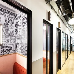 Unique Kitchen Tables Curved Island 香港 Wework 535 共享办公空间 / Ncda | Archdaily