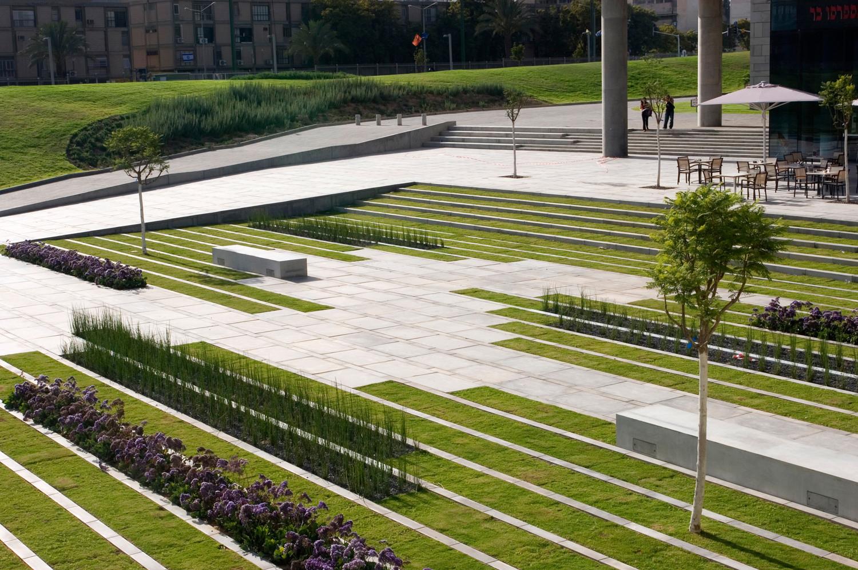 Bgu University Entrance Square & Art