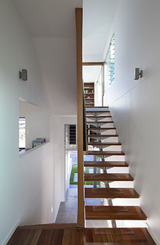 Small Street House Base Architecture Archdaily