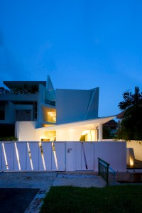Wall House / Formwerkz Architects | ArchDaily