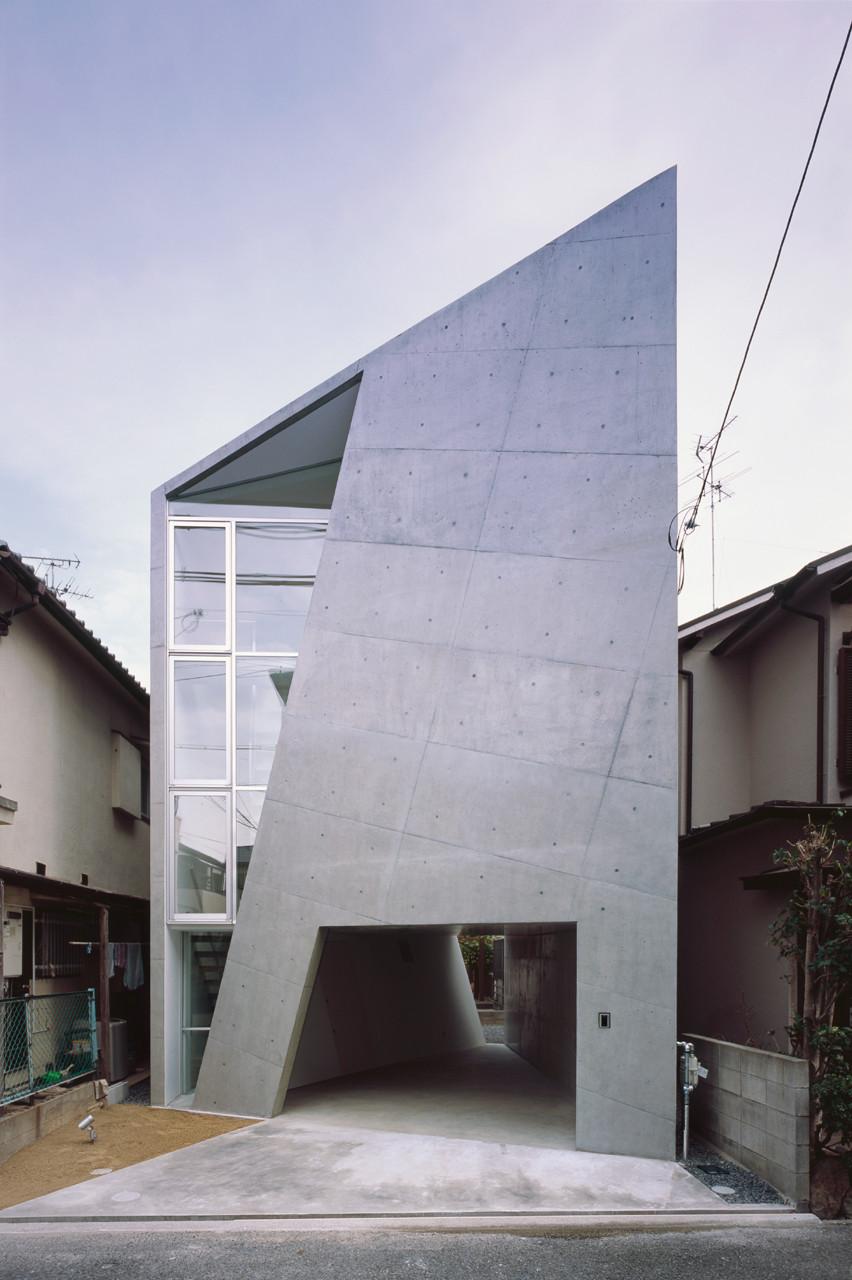House Folded Alphaville Architects Archdaily