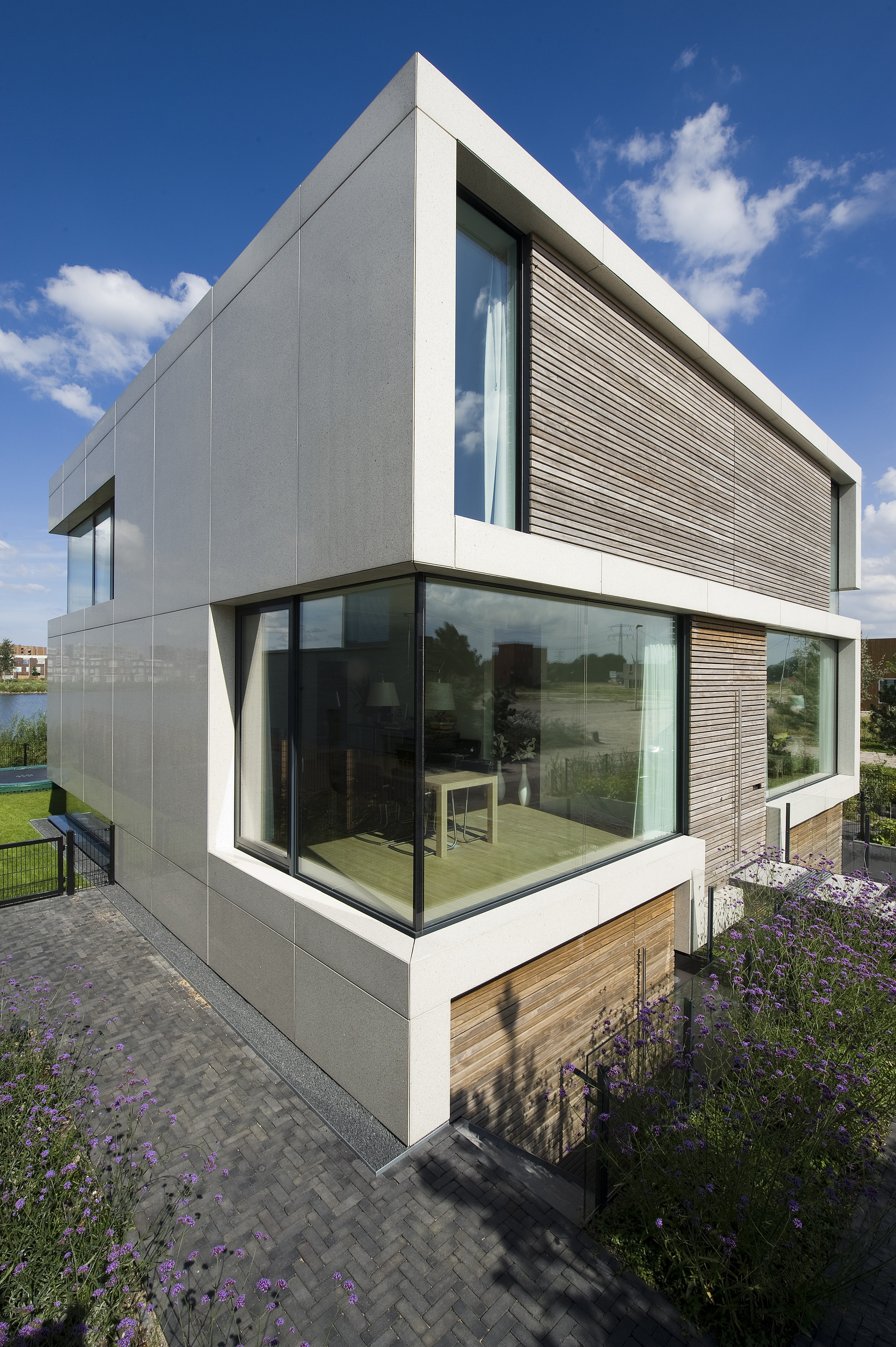 S2 Architects Villa by Marc