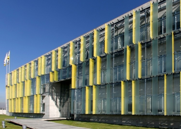 Edificio Corporativo Chilexpress  GHA  Guillermo Hevia