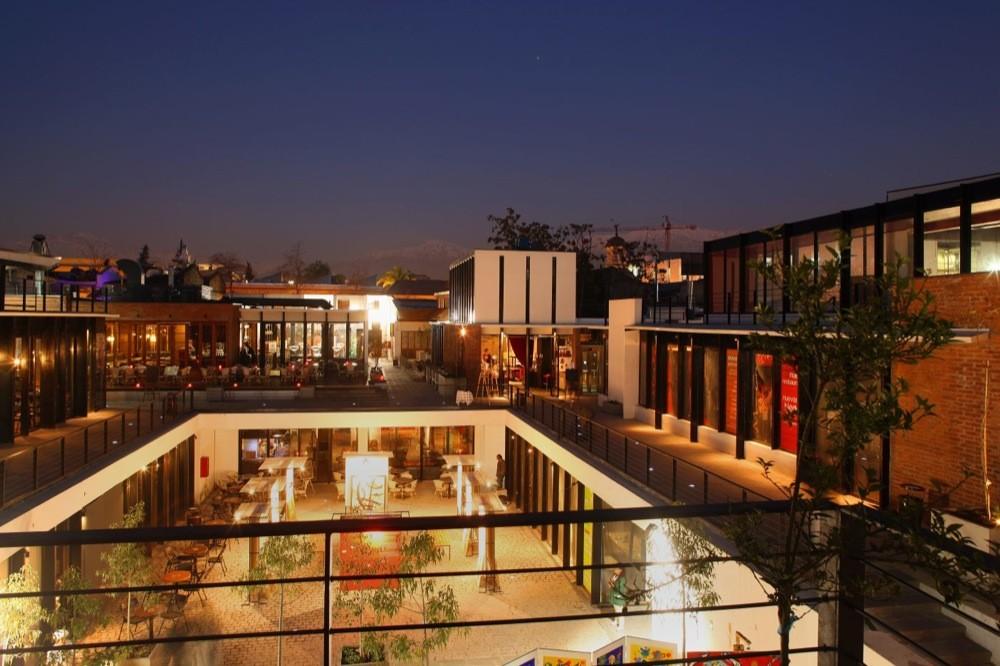 Patio Bellavista Segunda Etapa  Plan 3 Arquitectos  Plataforma Arquitectura