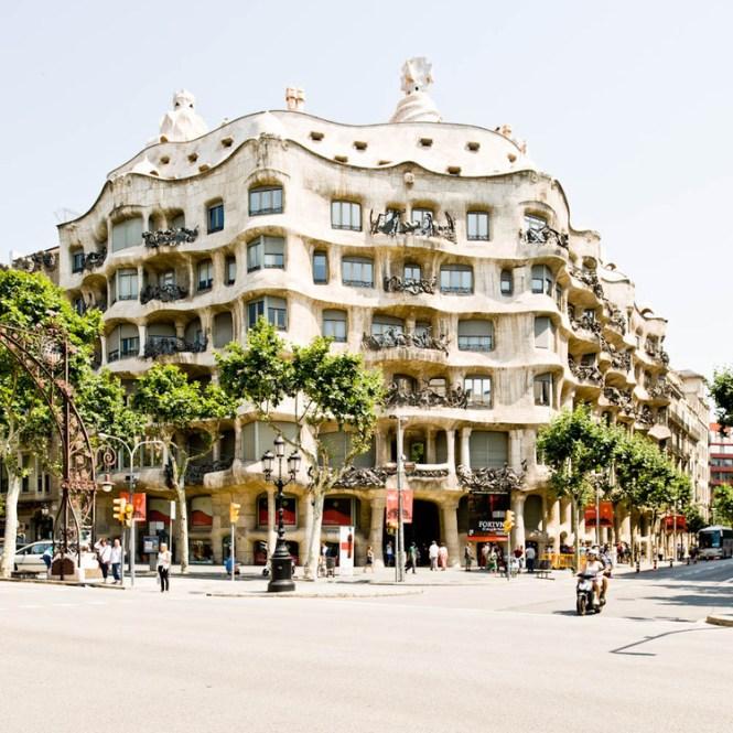 Ad Classics Casa Milà Antoni Gaudí