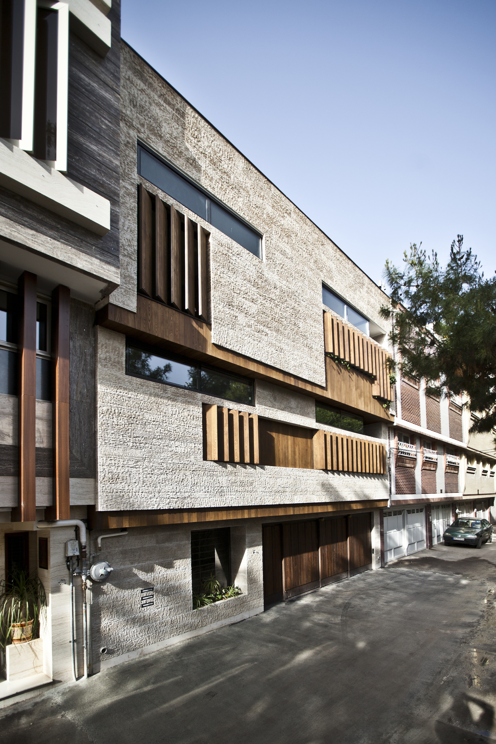 House In Isfahan Logical Process Architectural Design