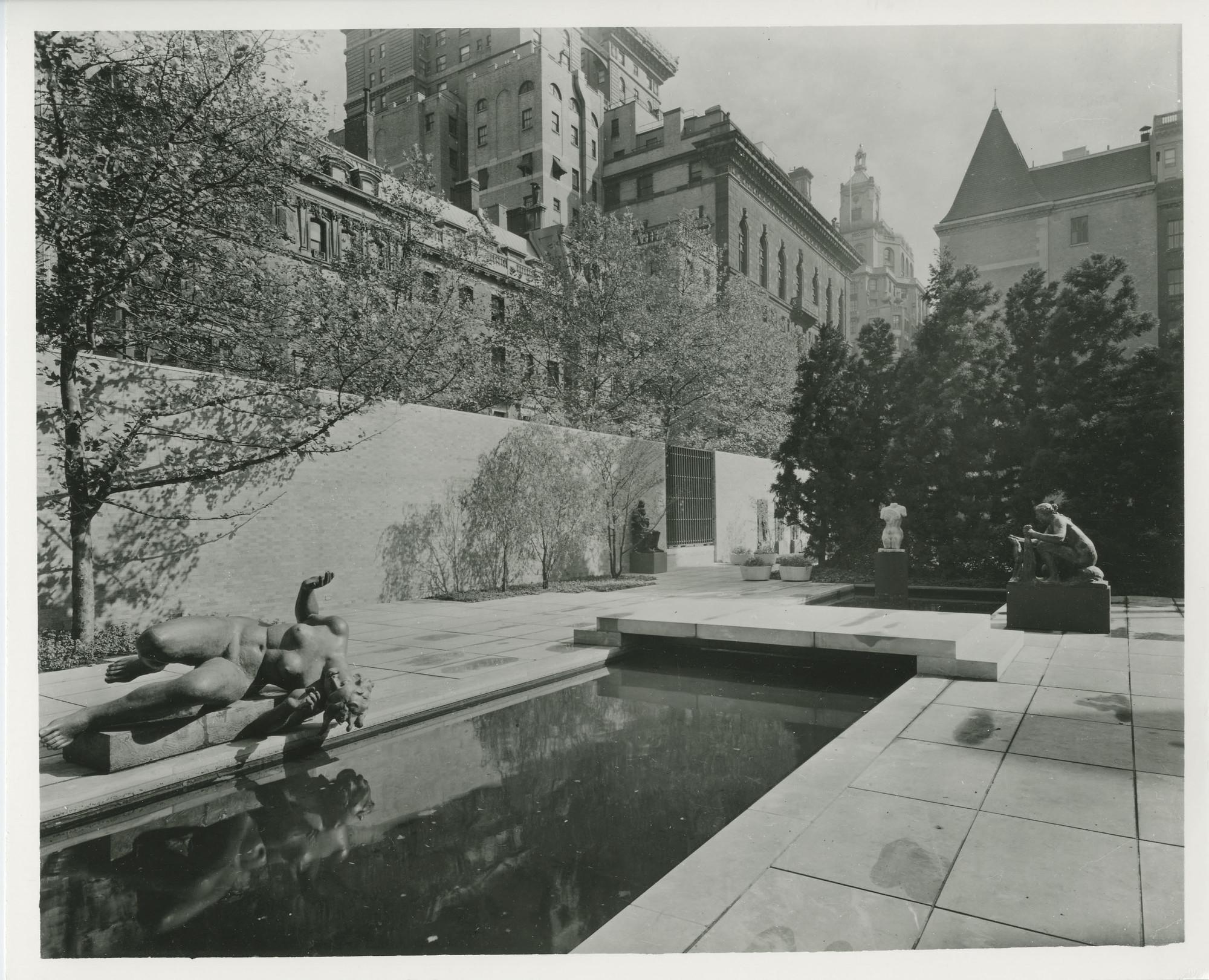 Garden of the Museum of Modern Art New York 1953 Sculpture