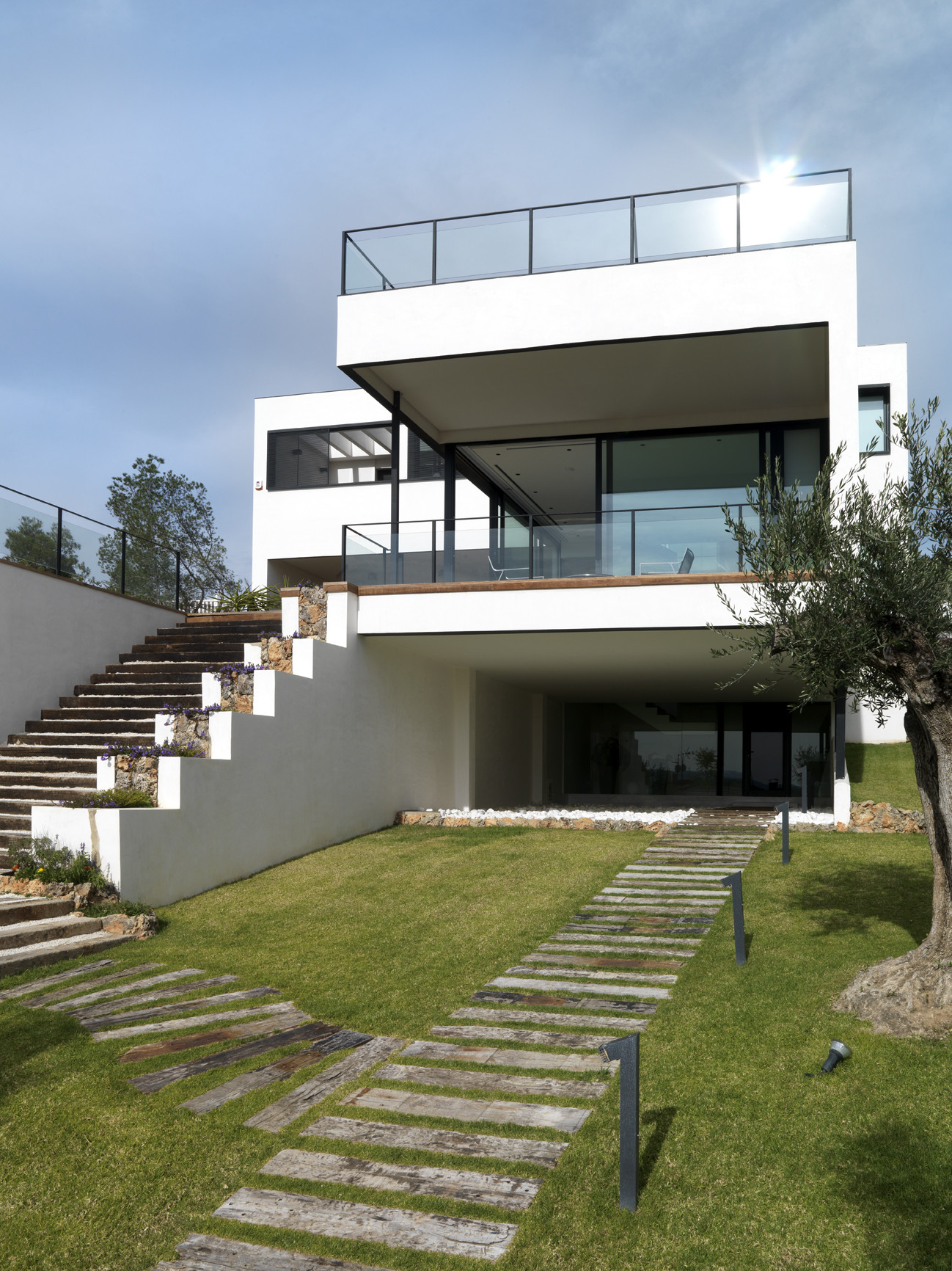 Spanish Modern Architecture House