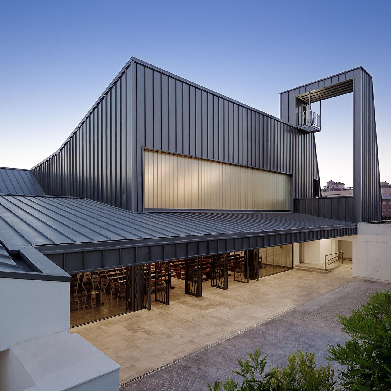 La Ascensi Del Se Church Agi Architects Archdaily