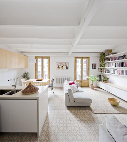 Apartment Refurbishment  Anna  Eugeni Bach  ArchDaily