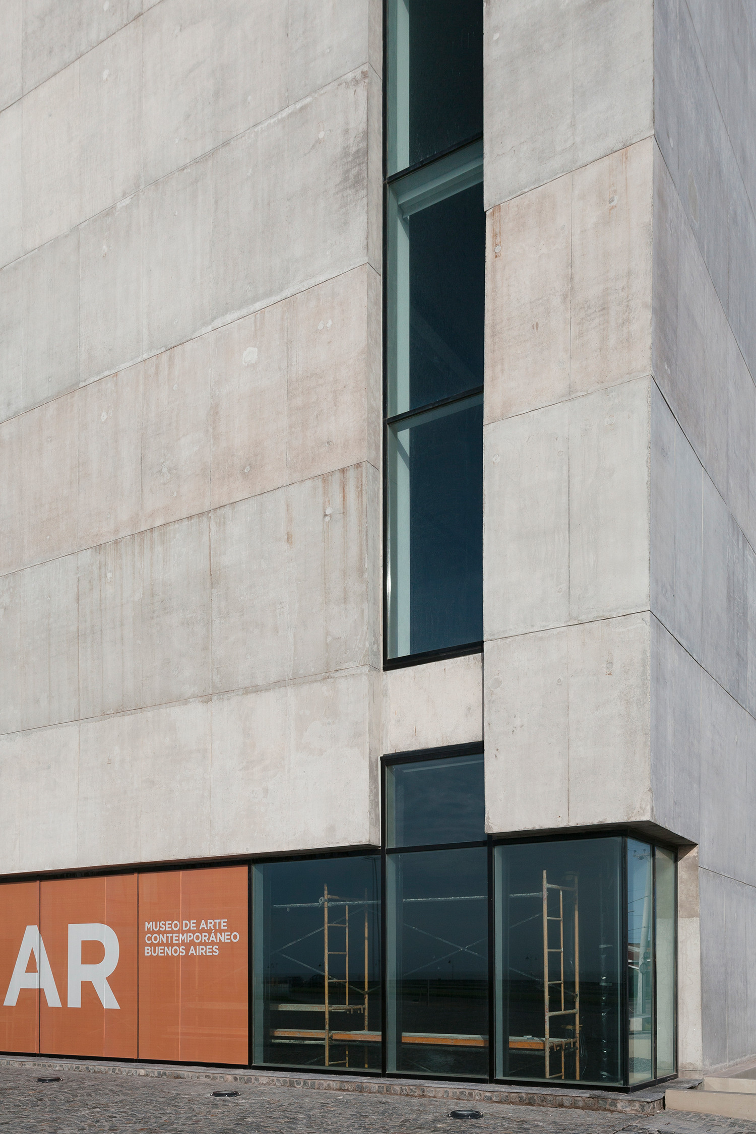 Buenos Aires Contemporary Art Museum Monoblock - 10