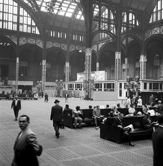 The main concourse, 1958. Image © Nick DeWolf Photo Archive