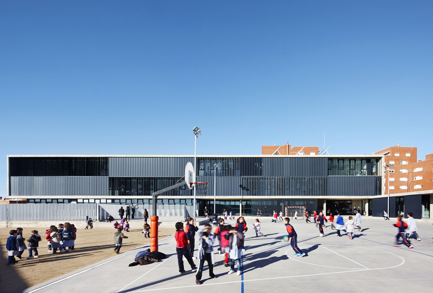 Galeria de Escola Isabel Besora  NAM Arquitectura  2