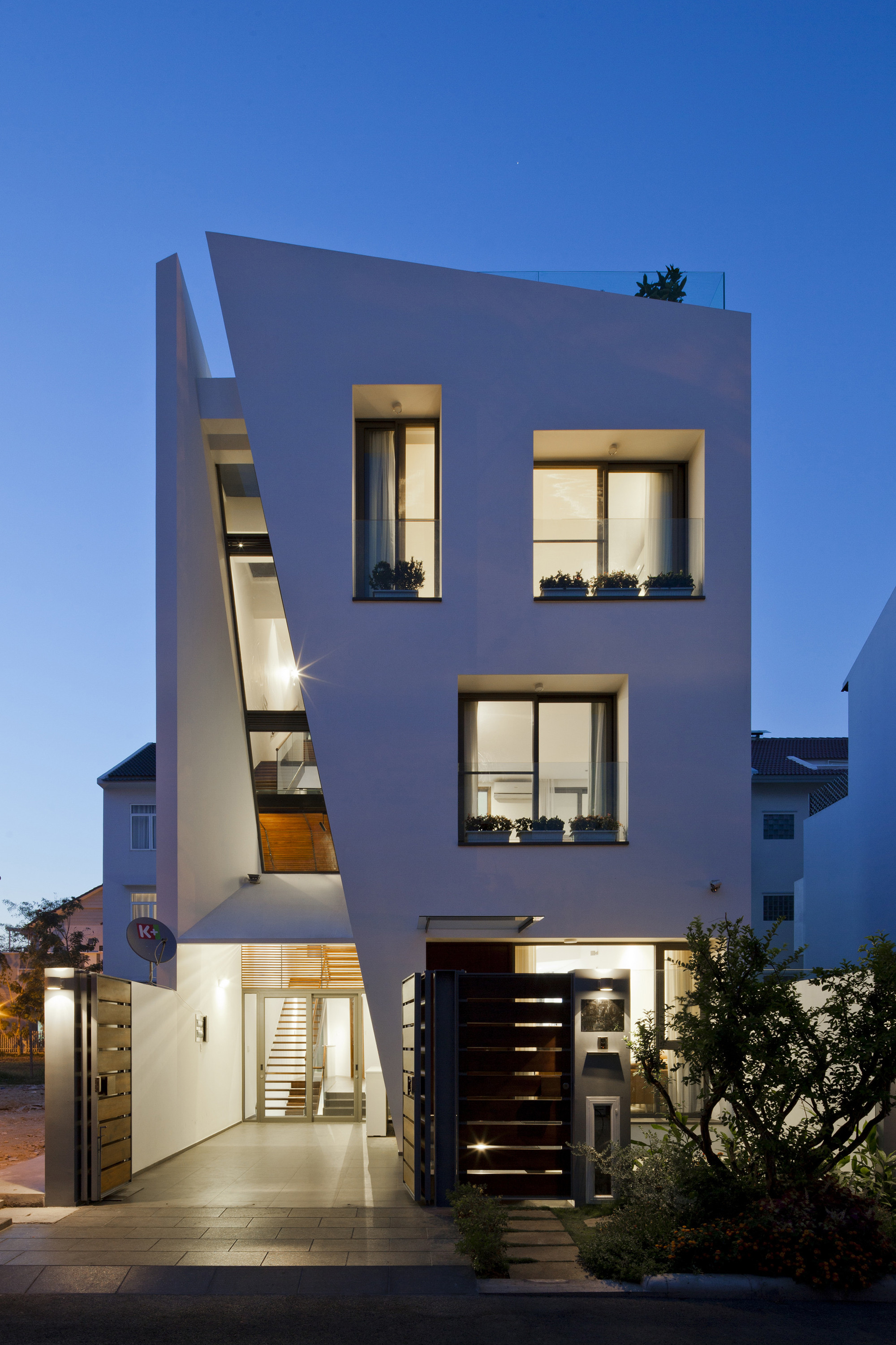 Folding Wall House  NHA DAN ARCHITECT  ArchDaily