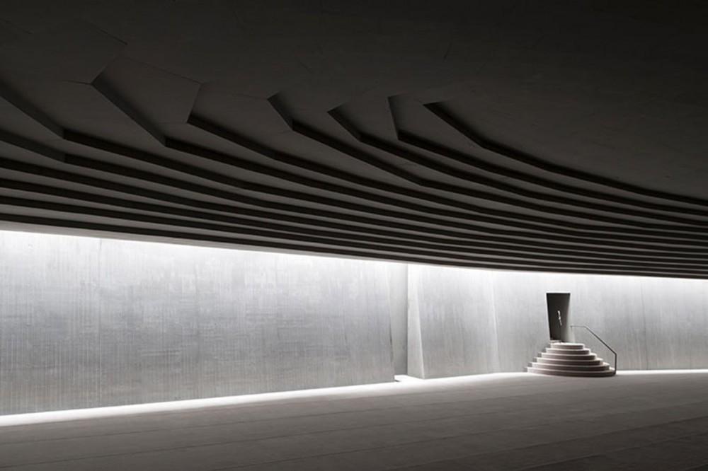 light matters creating walls of light