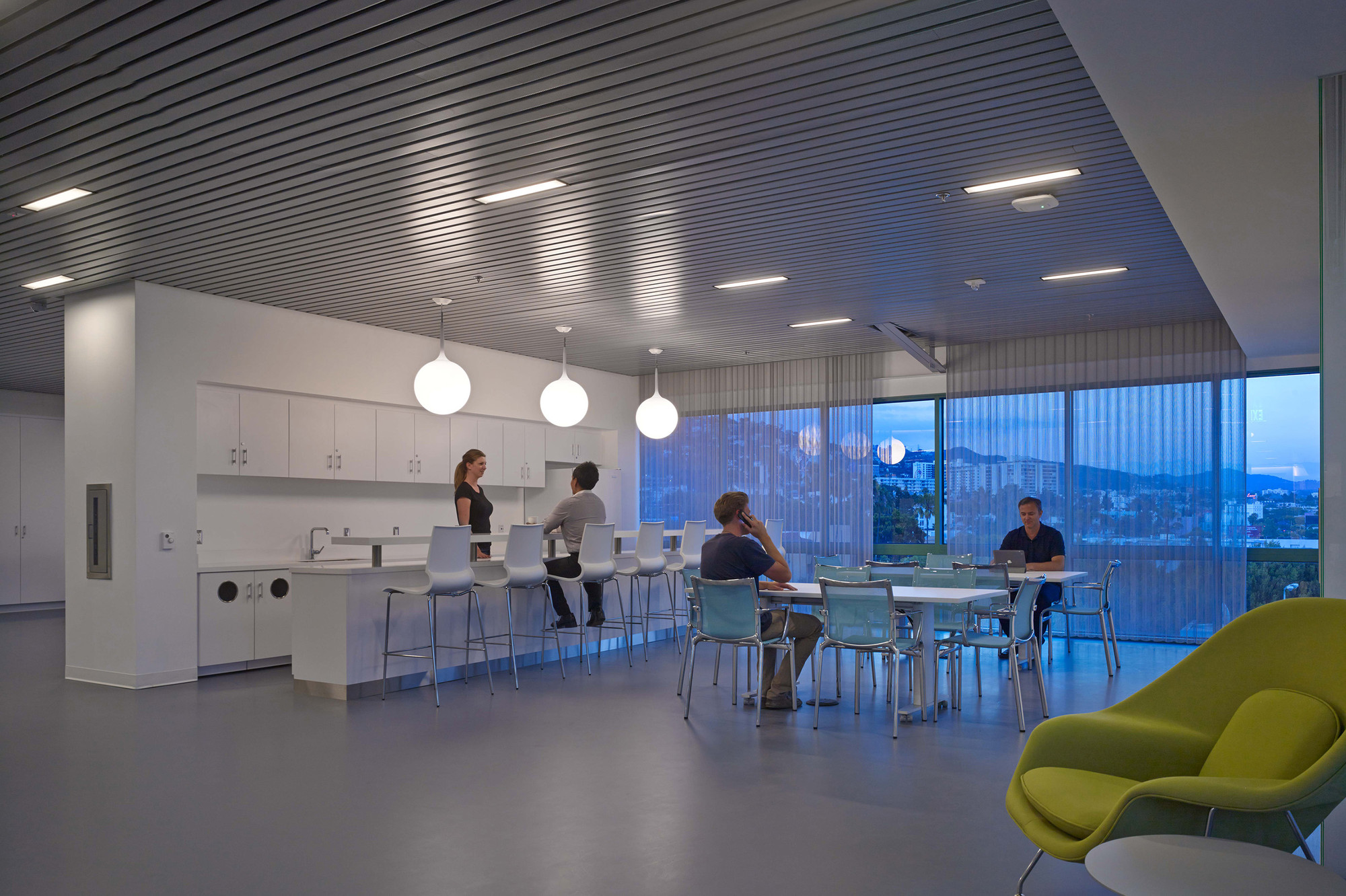 Gallery of CedarsSinai 360 Simulation Lab  Yazdani