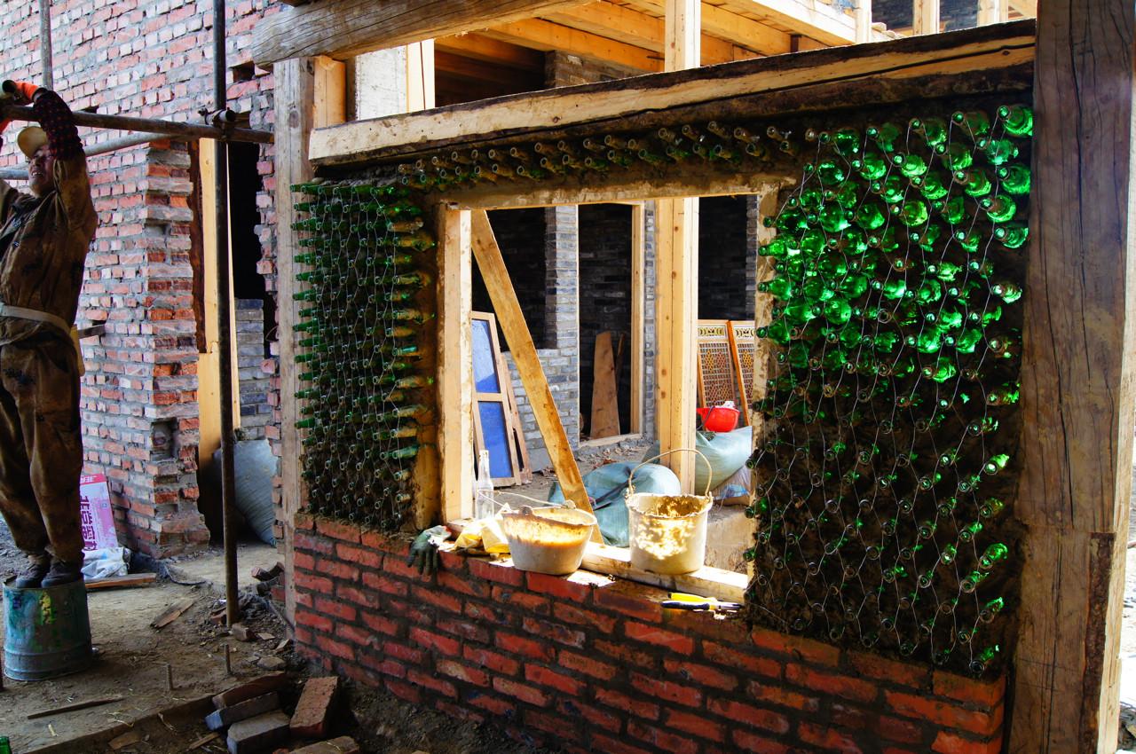 Galera de Experiencia de construccin con botellas de