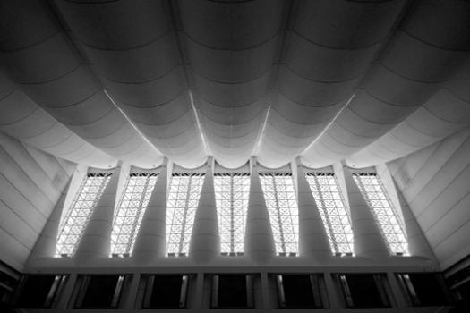Palmetto ornamentation of the debating chamber. Image © Jeffrey van der Wees