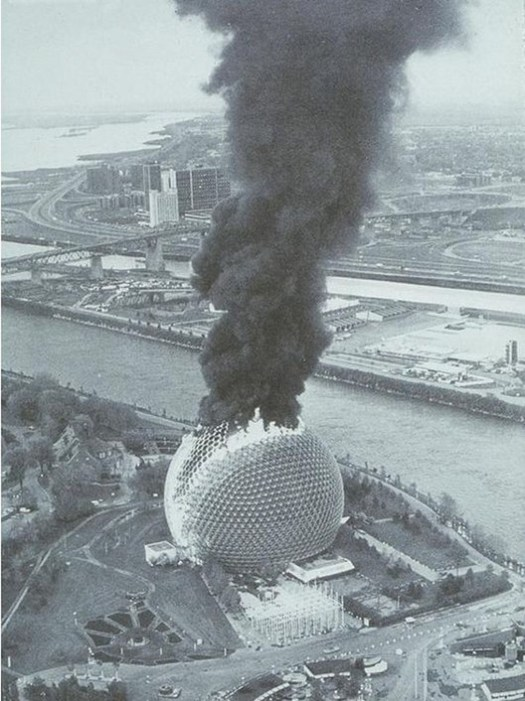 The 1976 fire. Image from Reddit.