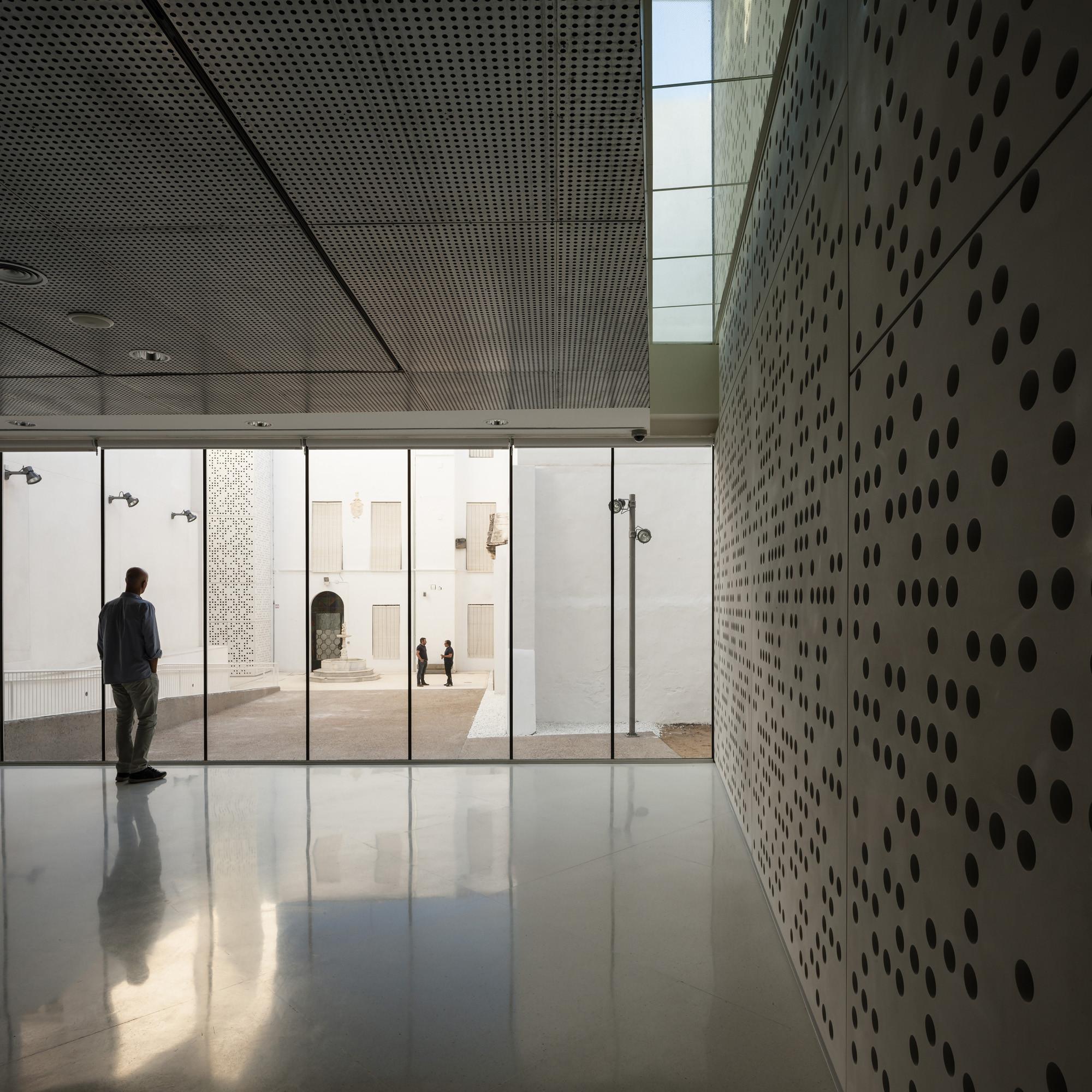 Fine Arts Museum Estudio Hago - 14