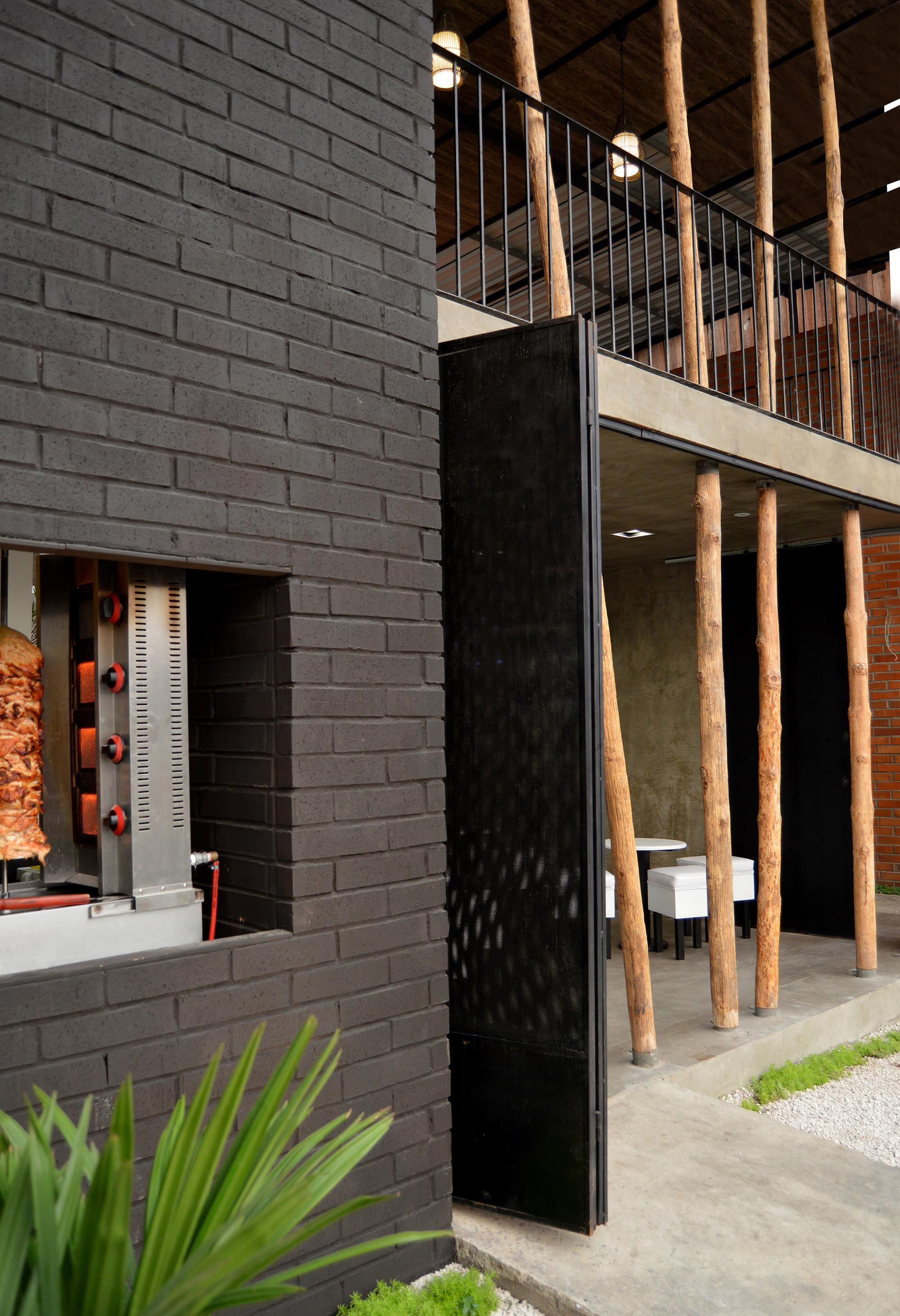 Galera de Restaurante Don Shawarma  Natura Futura