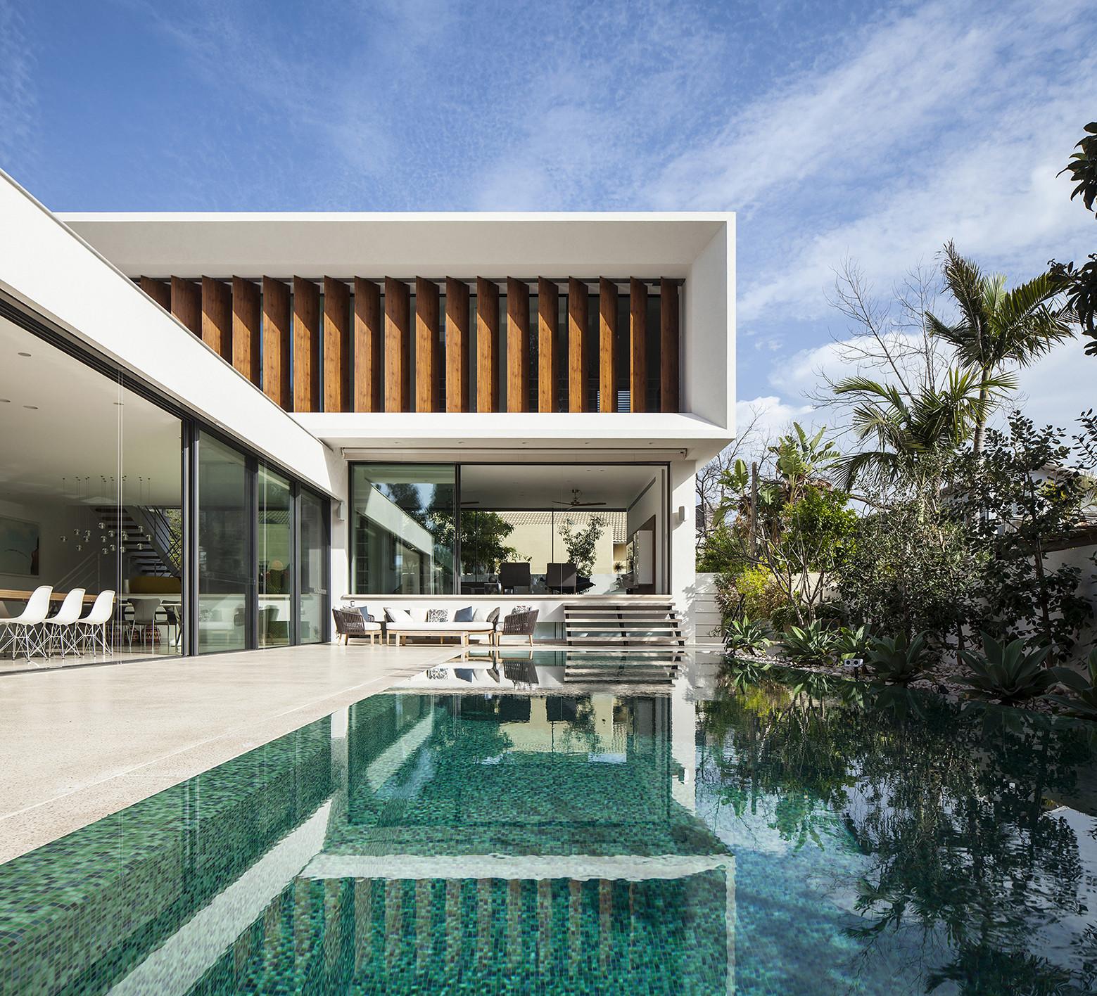 Modern Mediterranean Villa Architecture