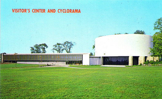 An original post card of the Cyclorama. Image © <a href='https://www.flickr.com/photos/fauxto_dkp/2335537917'>Flickr user fauxto_dkp</a> licensed under <a href='https://creativecommons.org/licenses/by-nc-nd/2.0/'>CC BY-NC-ND 2.0</a>
