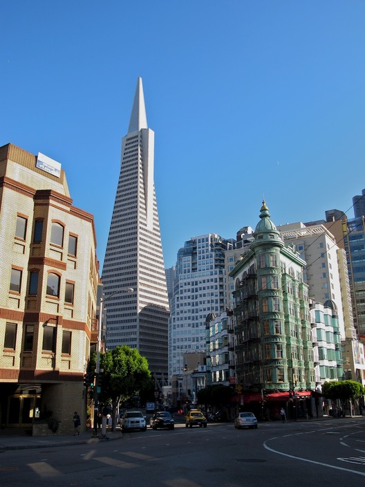 Transamerica Pyramid. Image © <a href='https://www.flickr.com/photos/jkz/6371624443'>Flickr user jkz</a> licensed under <a href='https://creativecommons.org/licenses/by-sa/2.0/'>CC BY-SA 2.0</a>