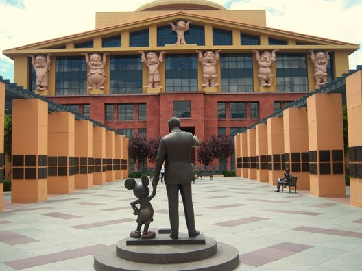 Team Disney Building (1986). Image © <a href='https://www.flickr.com/photos/lorenjavier/5677719265'>Flickr user lorenjavier</a> licensed under <a href='https://creativecommons.org/licenses/by-nd/2.0/'>CC BY-ND 2.0</a>